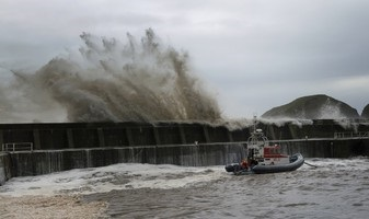 January's the perfect time to sign up to North East coast flood warning service